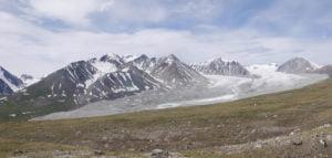 Altaigebirge schneebedeckte Kuppen
