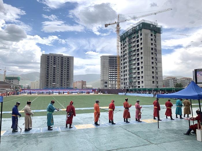 Bogenschießen beim Naadamfest in Ulaanbatar